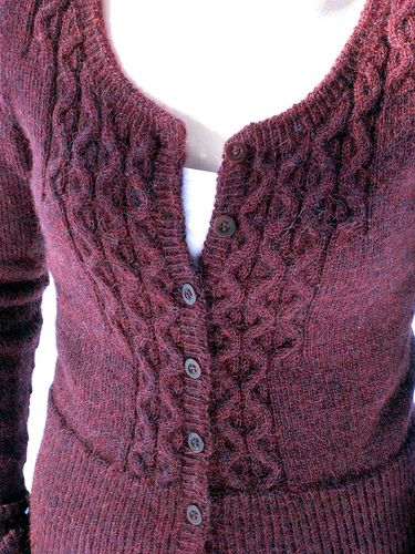 Great detailing. Personal pattern by inansa http://www.ravelry.com/projects/inansa/runo