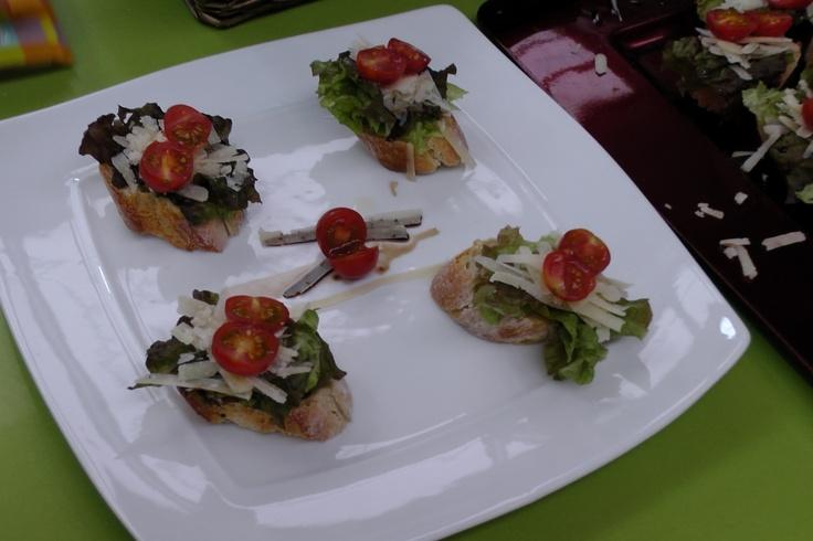 Rucula con Parmesano (Salad rocket or roquette or rucola with Parmesan Cheese and Cherry tomato)at Mercado de Progeso, Vigo