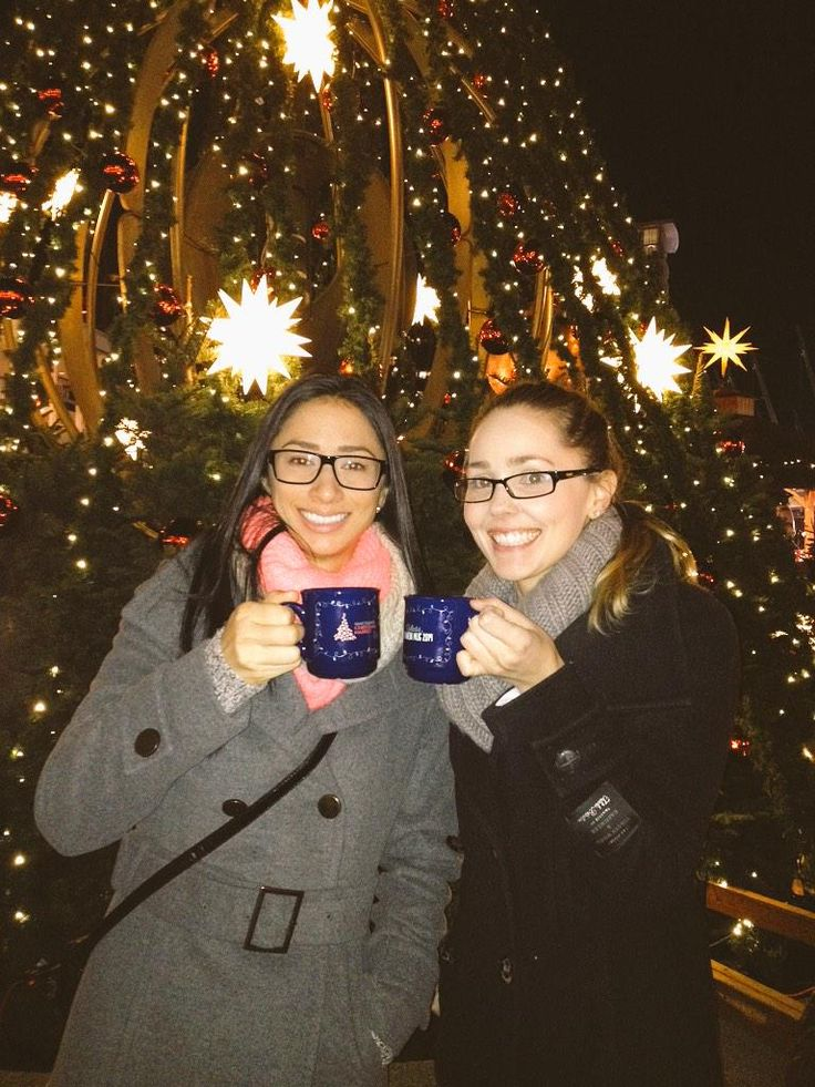 """""""I tried German Cherry Mulled Wine for the first time tonight at The @VanChristmas Market!"""" - Andrea Ma (from Twitter) #mybrilliantstar #herrnhutstar #moravianstar #christmas #decoration #vancouverchristmasmarket"""