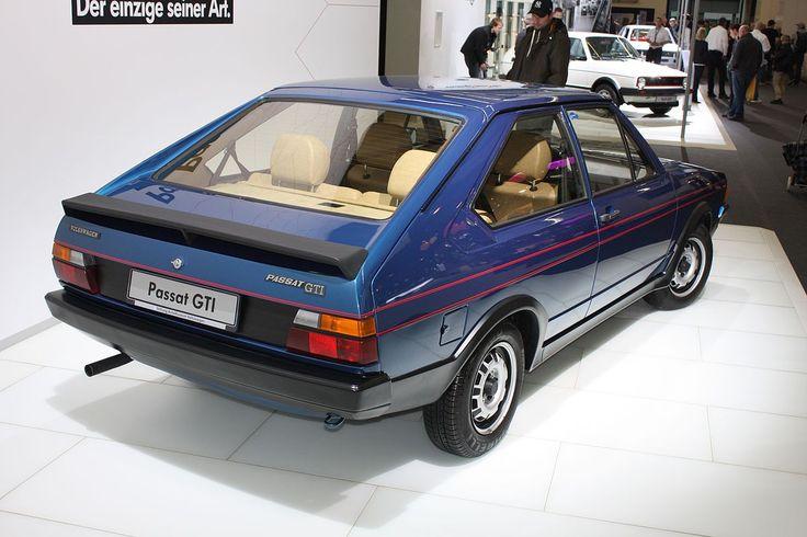 1200px-VW_Passat_GTI_prototype_Gen1_B1_1976_backright_2013-04-11_A