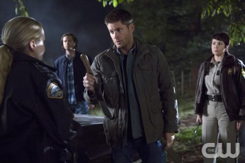"Supernatural -- "" Hibbing 911"" -- Image SN1008b_ 0591 -- Pictured (L-R): Briana Buckmaster as Sheriff Donna Hanscum, Jared Padalecki as Sam, Jensen Ackles as Dean, and Kim Rhodes as Sheriff Jody Mills -- Credit: Katie Yu/The CW --  © 2014 The CW Network, LLC. All Rights Reserved"