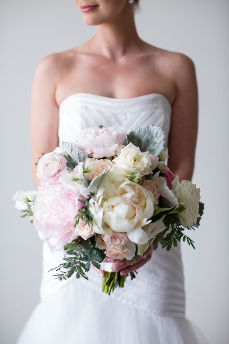 25 swoon worthy spring amp summer wedding bouquets tulle amp chantilly - This Newport Wedding Is The Definition Of Elegant Glamour