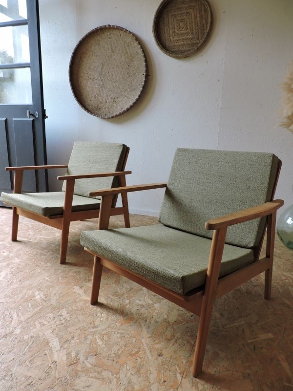 paire de fauteuils scandinaves annees