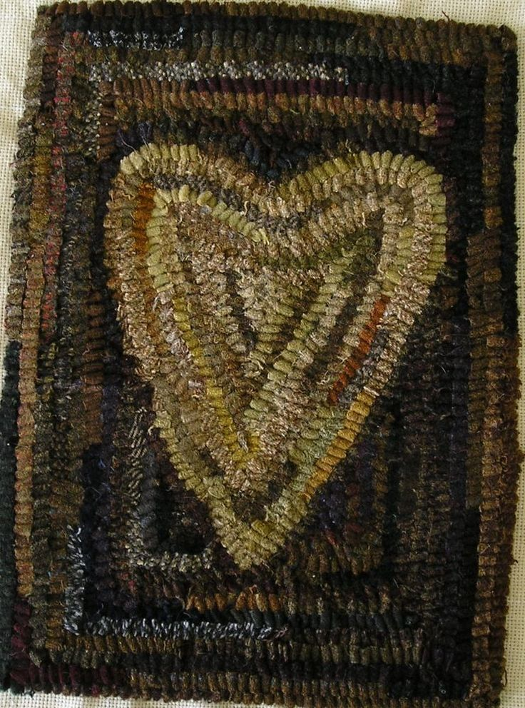 Hand Hooked Rug Early Style Primitive Olde Heart