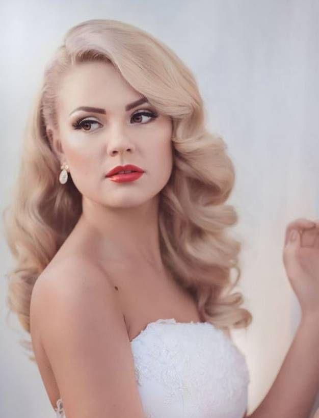 Atemberaubende Hochzeitsfrisuren für mittellanges Haar – Heute möchten Sie alles reparieren, was als falsch gilt. Und es stellt sich heraus, dass der Körper, Kleider, Make-up und Essen bei der Hochzeit serviert werden, ist sehr wichtig, um frühzeitig zu planen. Aber vergessen Sie nicht Ihre Haare, es ist sehr