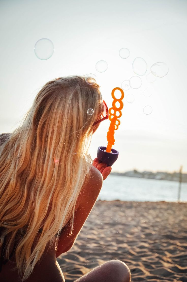 #girl #freedom #freepeople #sea #sunset #bubbles
