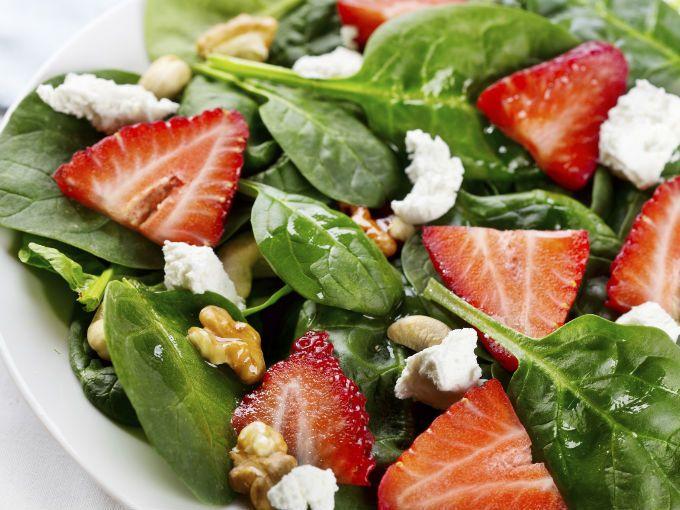 Ensalada de fresa y espinaca