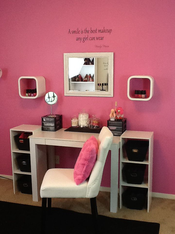 Great A Cute, Space Saving, Vanity Area!