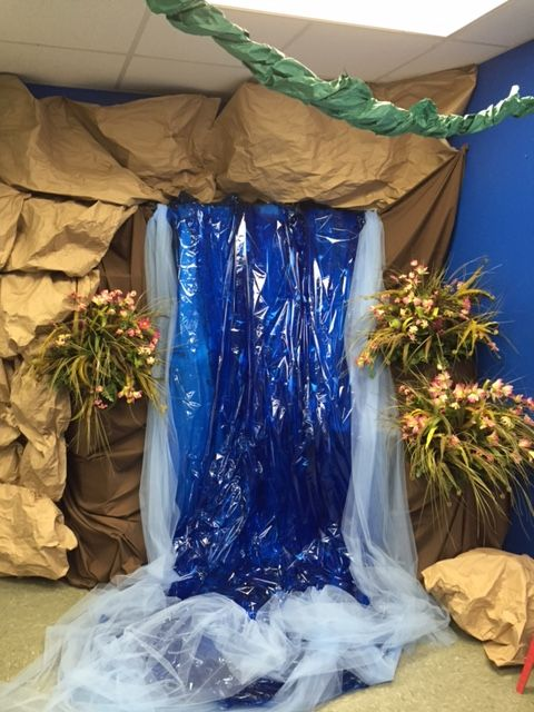 Waterfall In A Classroom 2015 Vbs Journey Off The Map