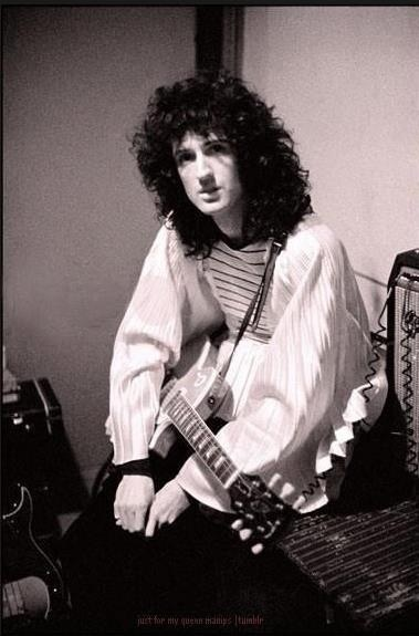 """""""The guitar has a kind of grit and excitement possessed by nothing else.' - Brian May"""