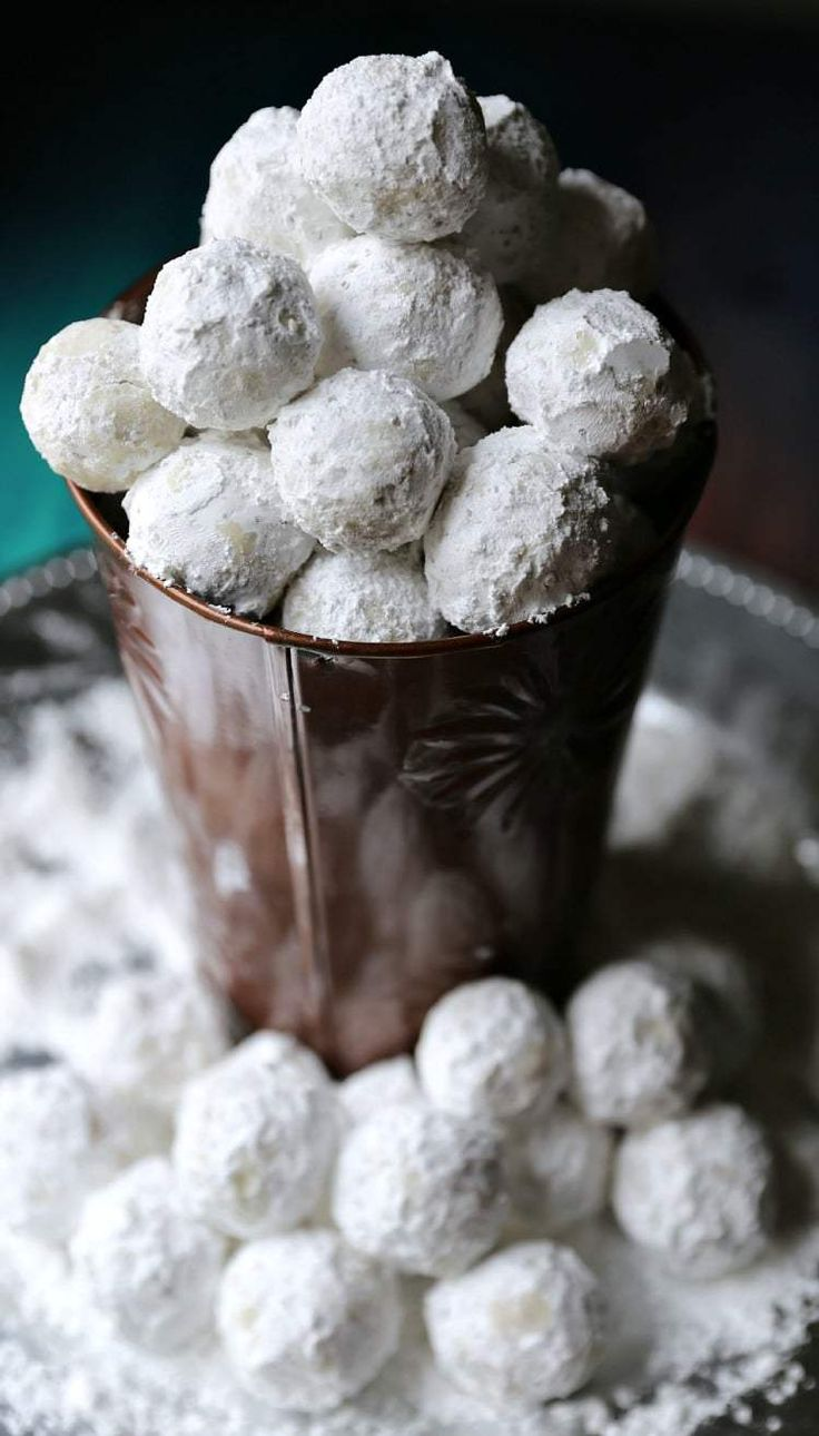 Quick and Super Easy Peanut Butter Snowballs Recipe for Christmas