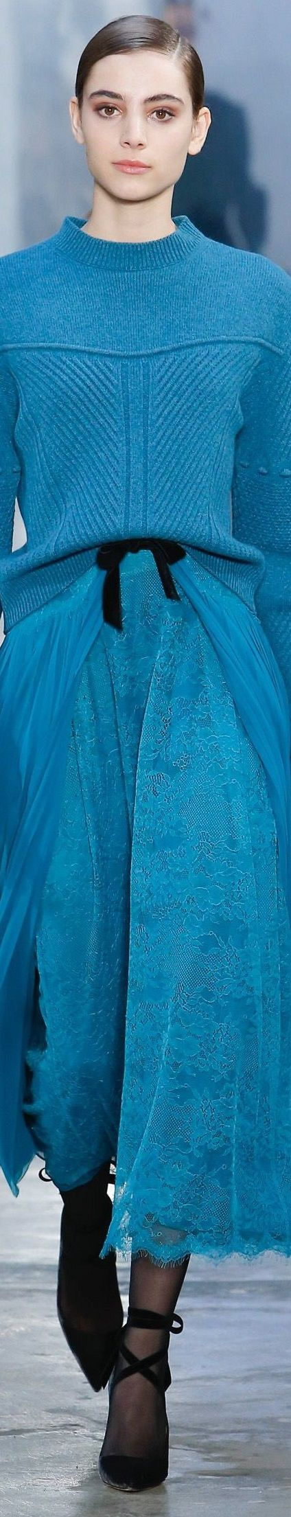 Carolina Herrera FW 2017 RTW- gorgeous color, gorgeous textures and knitwear patterns