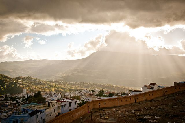 Chefchaouen, Morocco / photo by Chris ZieleckiPhotos, Trav'Lin Lights, Blue Cities, Sunsets, Chefchaouen, Beautiful, Beams, Places I D, Morocco