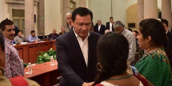 """""""Habrá diálogo hasta que levanten bloqueos"""", afirma Osorio Chong"""