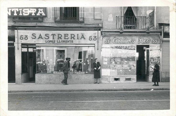 Así era Caramelos Paco antes de anexionarse el 53 de la calle de Toledo. #LaLatina #Madrid