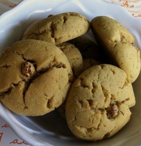 Leblebi tozlu kurabiye tarifini görünce şaşıracaksınız ama gerçekten çok güzel ve sade bir tadır var. Yediğiniz zaman bir daha yapmak isteyeceksiniz.