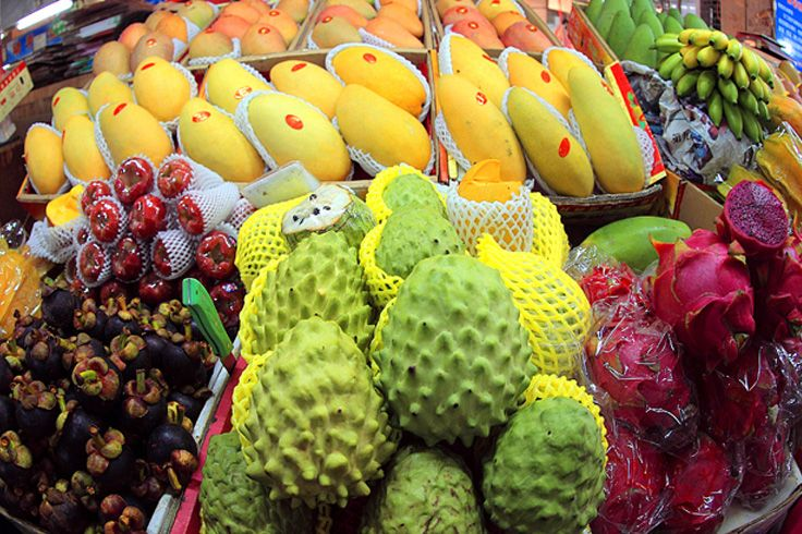 Here in No.1 Market and Honggang Market, you could find the unique taste of freshness and sweetness of the tropical fruits in Sanya. Well, there're some of the signature ones to start with…#SanyaRepin #SanyaHeartstoHearts
