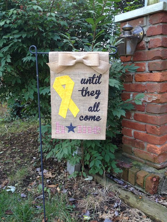 17 Best images about Burlap Garden flag ideas on Pinterest Red