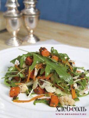 Салат с чечевицей, рукколой и квашеной капустой