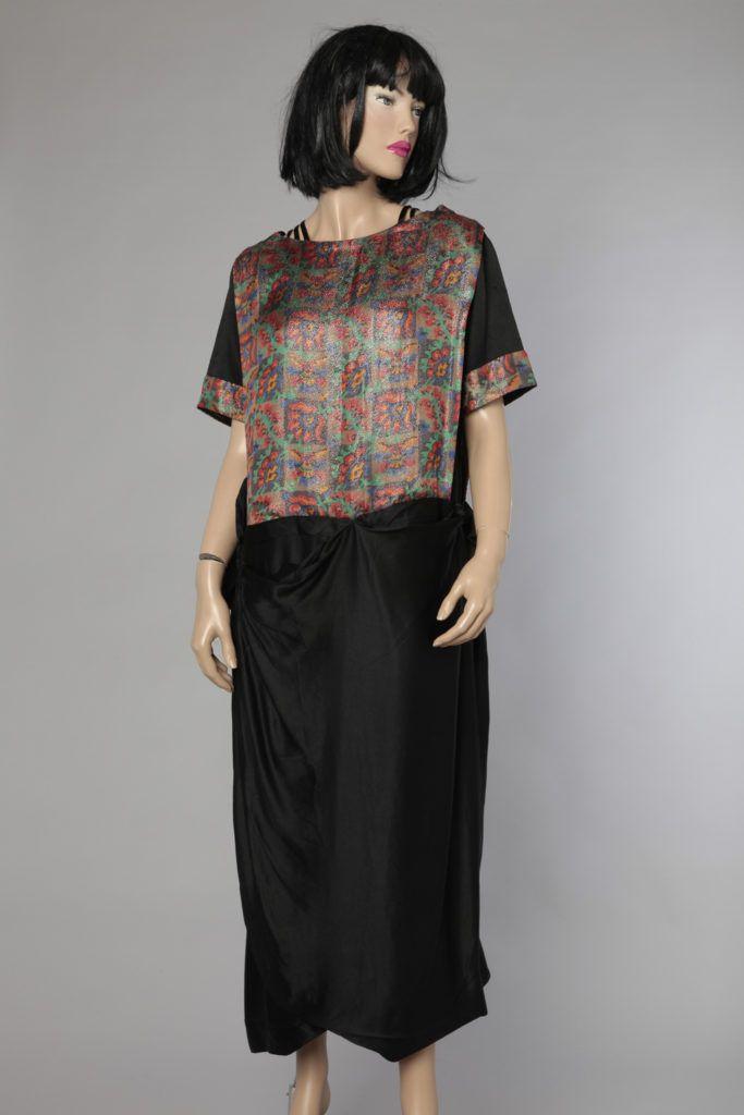 Robe 1920 en satin de soie noir et empiècement lamé griffé Paquin
