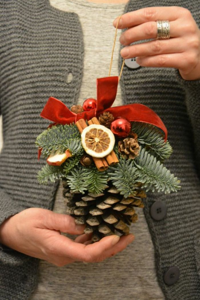 how to make christmas ornaments out of pine cones