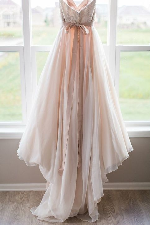 25 best ideas about small waist big hips on pinterest for Wedding dresses for big hips