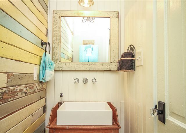 384 best my beach house someday images on pinterest for Funky bathroom design ideas