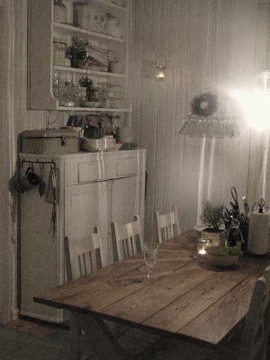 Keittiössä. The Kitchen.