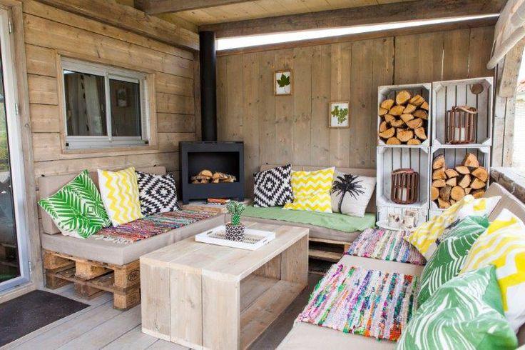 Veranda jungle lodge #buitenhaard #lounge #pallet #stoerbuiten