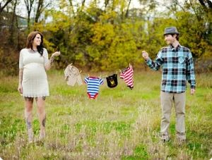 Really cute maternity photo by Lolipopalicious