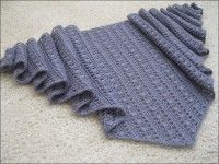 Beautiful and simple #crocheted shawl with free knitting scheme and English instructions.