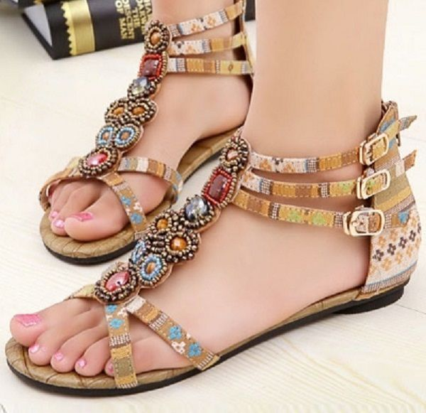 Flat Sandals for this #SummerFashion