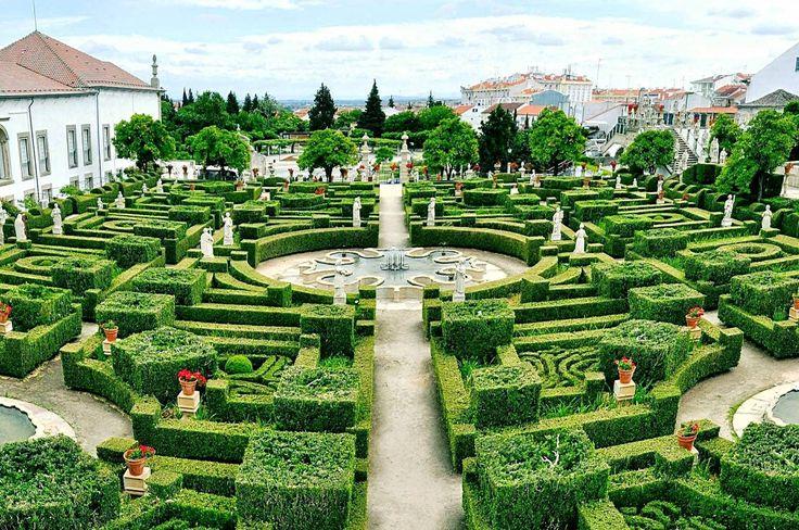 Procura jardins para visitar em Portugal? Se é fã de espaços verdes e românticos, escolhemos 10 jardins de visita obrigatória que você não pode perder.