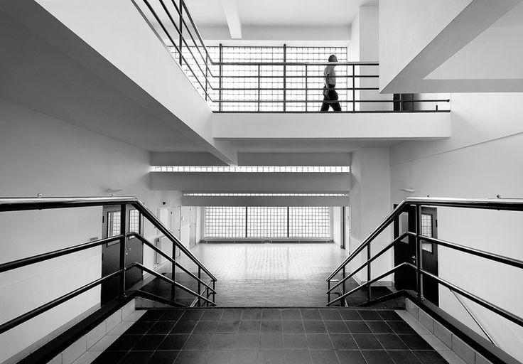 Zwaardstraat, 16 Jan Duiker Photo by Jan Gravekamp