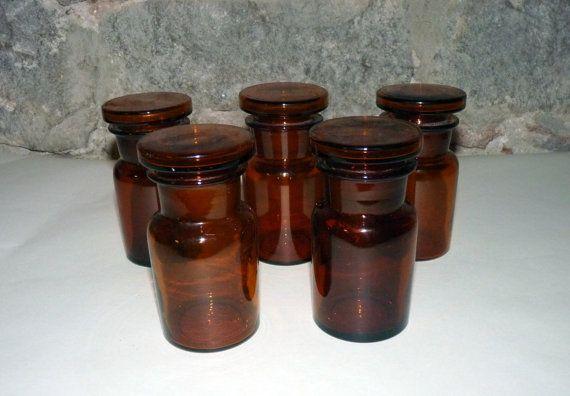 Pequeñas botellas/frascos de farmacia vintage por Mementosbcn