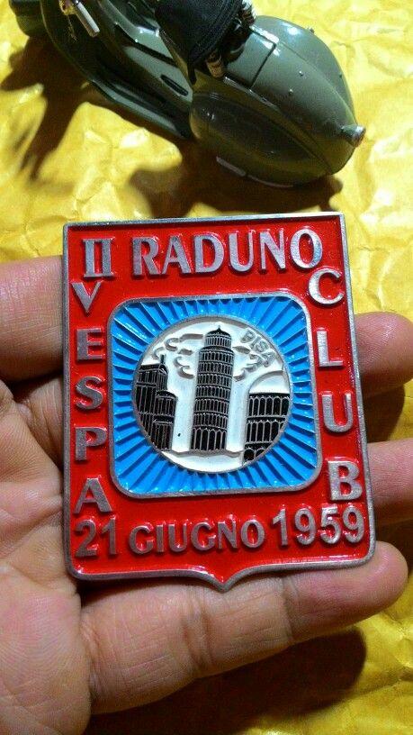 Badge vespa raduno club giugno 1959 Size. 5cm to 6.5cm