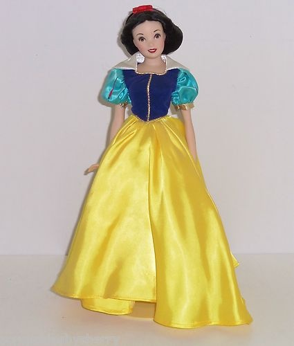 Jackie Kennedy Doll & Wardrobe Franklin Mint Collectable ...