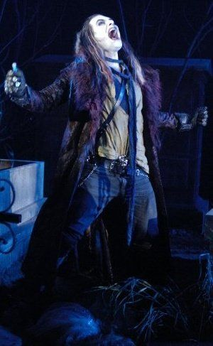 I think Graverobber is the first man with long hair I fell in love with... 'sides, his VOICE