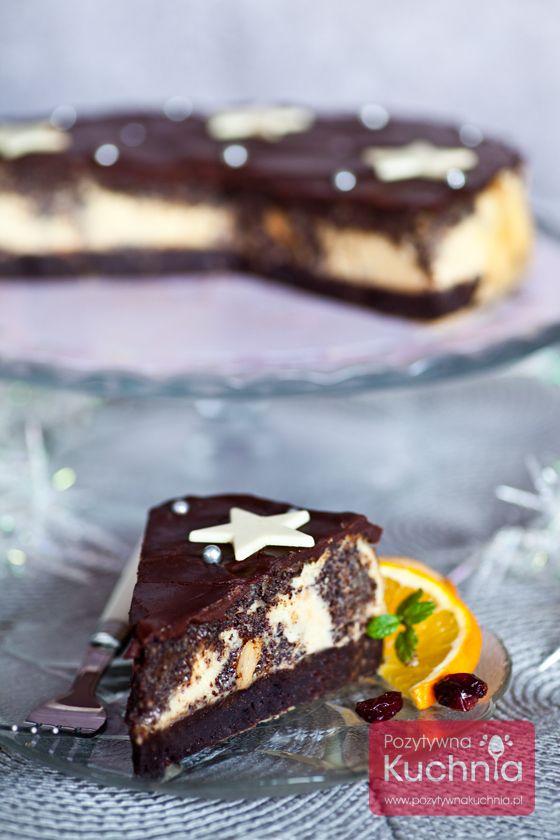 Seromakowiec - #przepis na #ciasto potrójne: połączenie sernika i makowca na spodzie brownie, z polewą czekoladową  http://pozytywnakuchnia.pl/seromakowiec/  #kuchnia #wypieki
