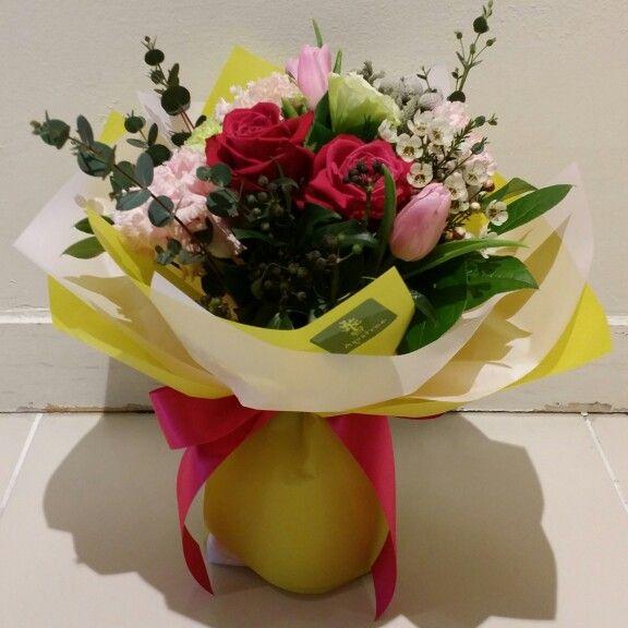 핫핑크와 그린색 상큼 발랄 꽃다발 포장