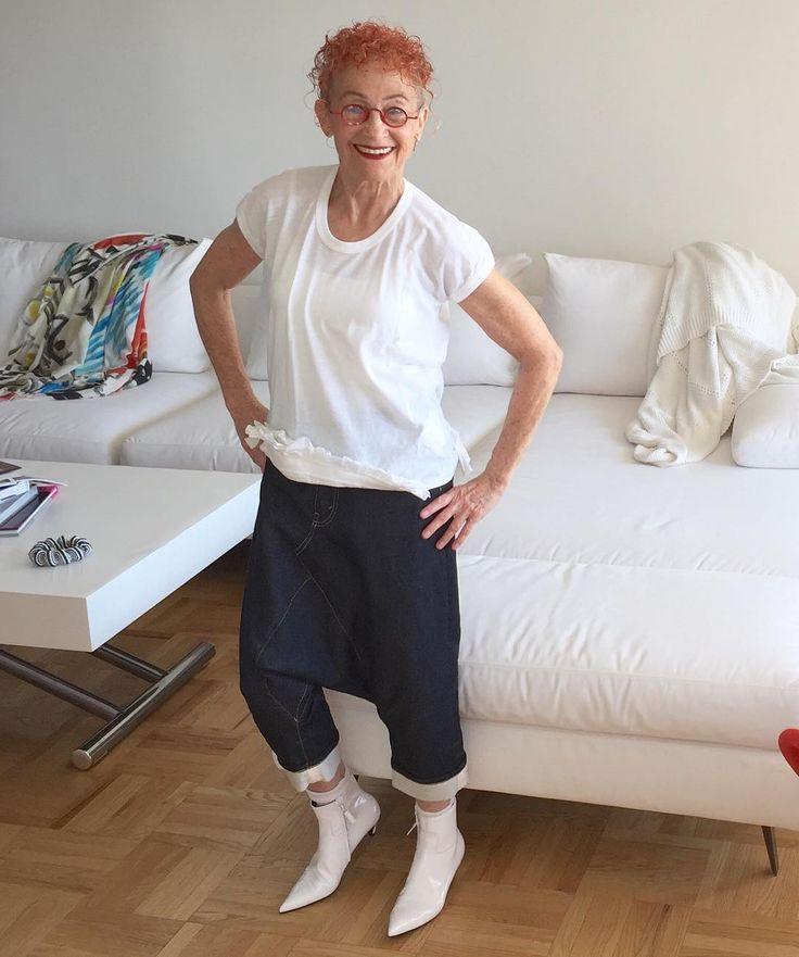 Нарушая все правила...белые туфли после дня труда!! #баленсиага белая лакированная обувь #junyawatanabe джинсы #commedesgarcons #commedesgarçons Футболка