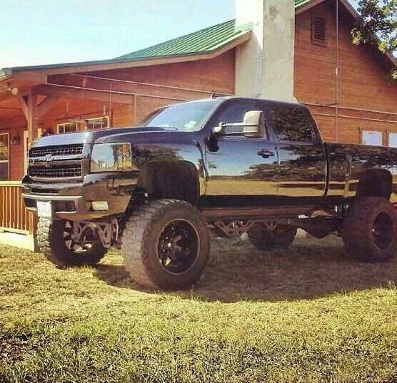 jacked up chevy trucks mudding - photo #38