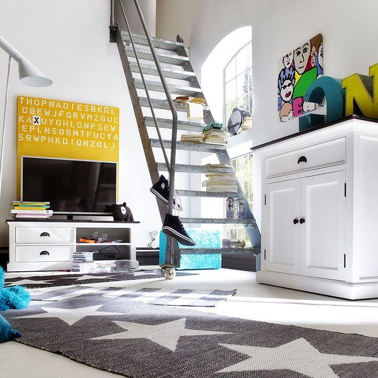 TV-meubel Landhuis wit met zwart blad van Nova Solo https://www.meubelen-online.nl/TV-meubel-Landhuis-120cm-wit-met-zwart-blad