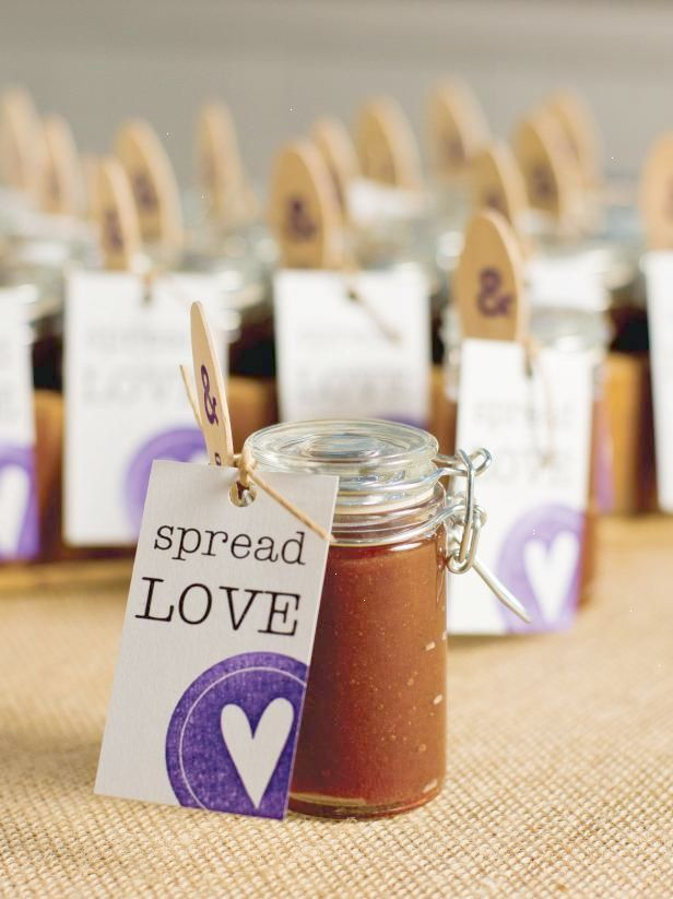 13 Diy Wedding Favors Your Guests Will Actually Want Apple Butter Wedding Favor Diy Wedding Favors Affordable Wedding Favours Wedding Favors Fall