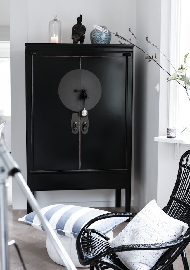 »☆Elysian-Interiors ♕ Simply Divine #Interiordesign ~ Chinese black painted cabinet