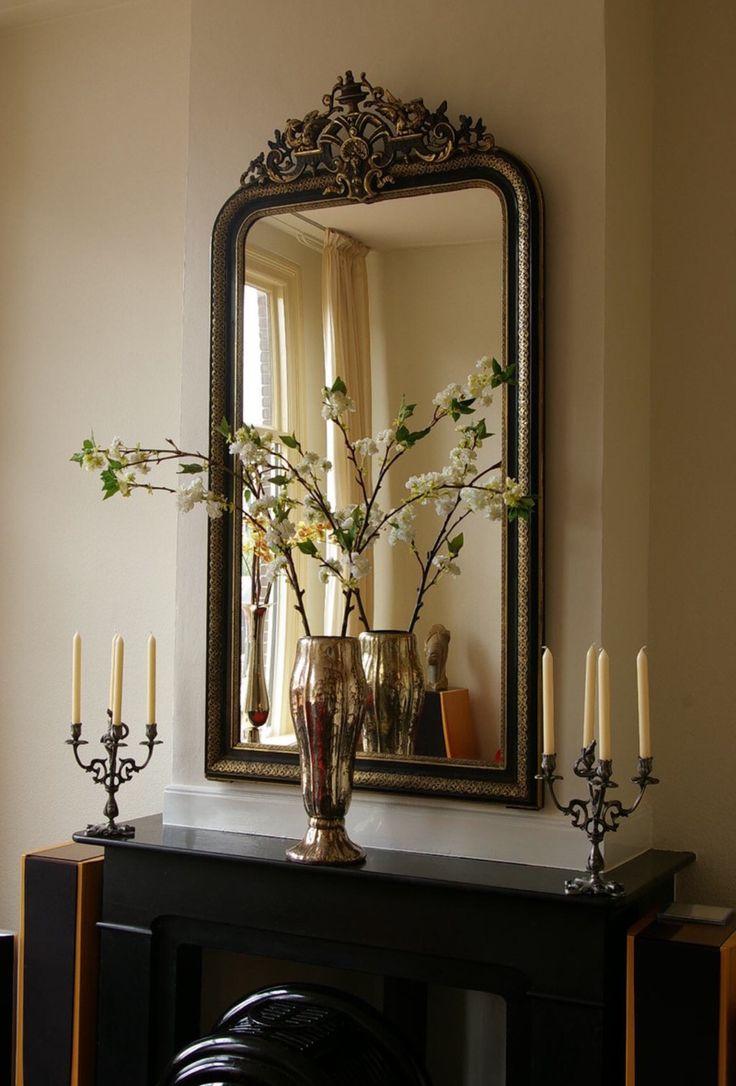 25 beste idee n over woonkamer spiegels op pinterest appartement woonkamers neutrale bank en - Moderne entree decoratie ...