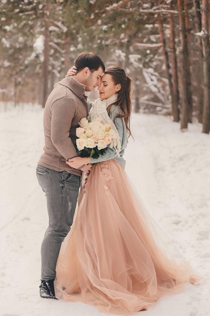 Свадебное бежевое платье зимой фото