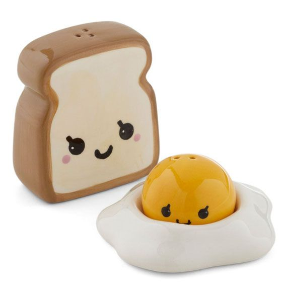 Toast and eggs salt and pepper shakers