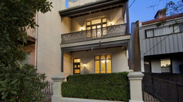 4 Bedroom Federation home with some late Victorian features.