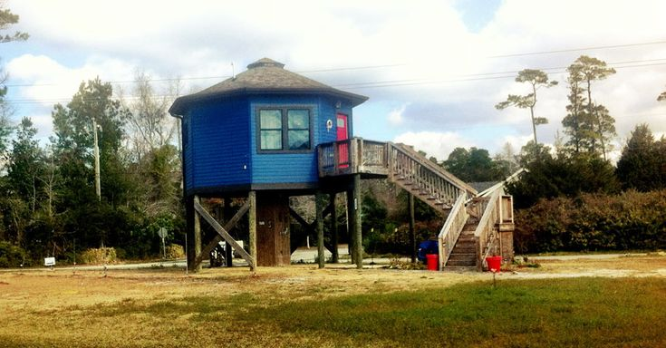 Beach tiny house on stilts tiny house swoon home lab for Small beach house on stilts